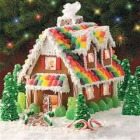b11f1e4a7e6e2026e6d67b8850db6427--homemade-gingerbread-house-christmas-gingerbread